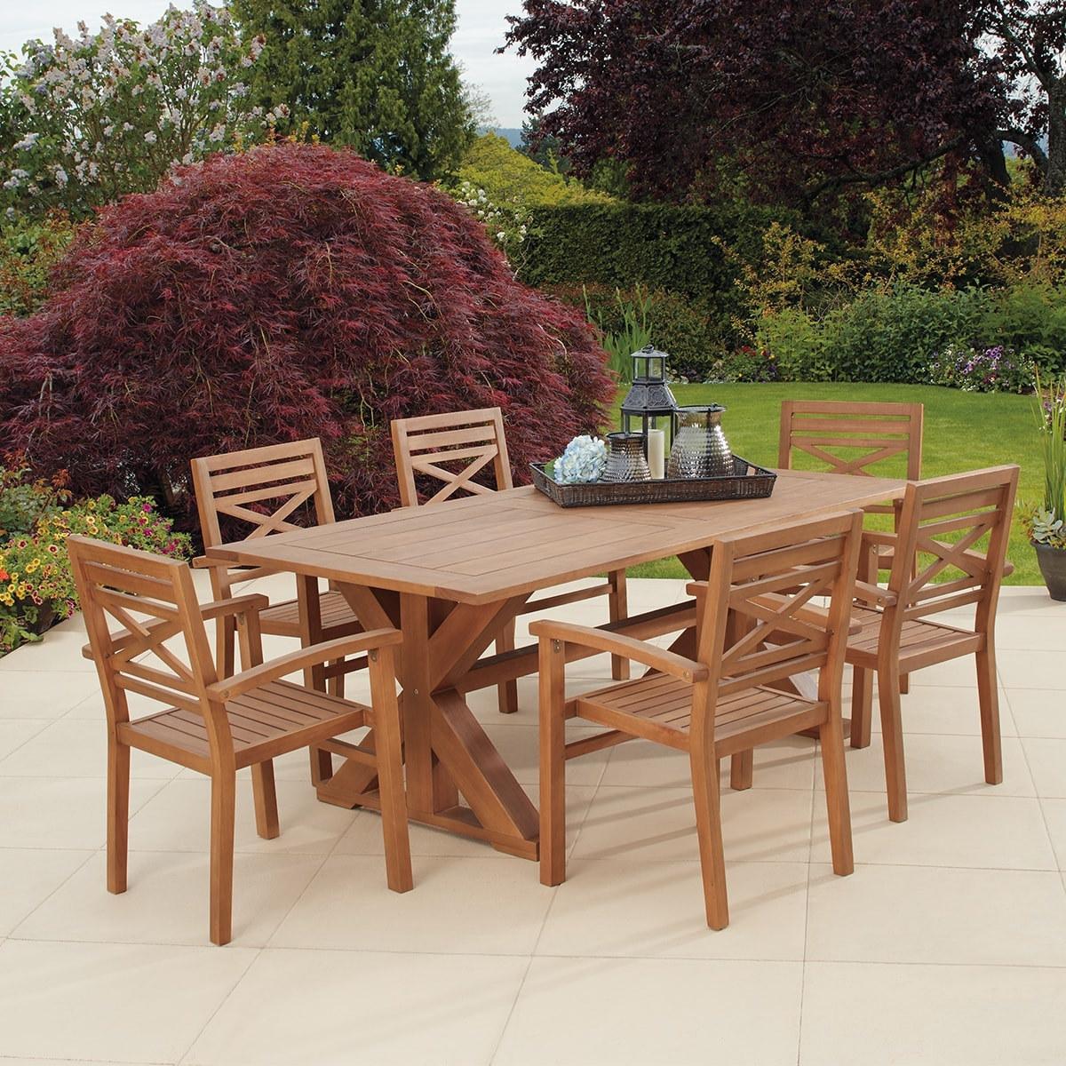 Chatswood 尤加利木製餐桌椅7件組