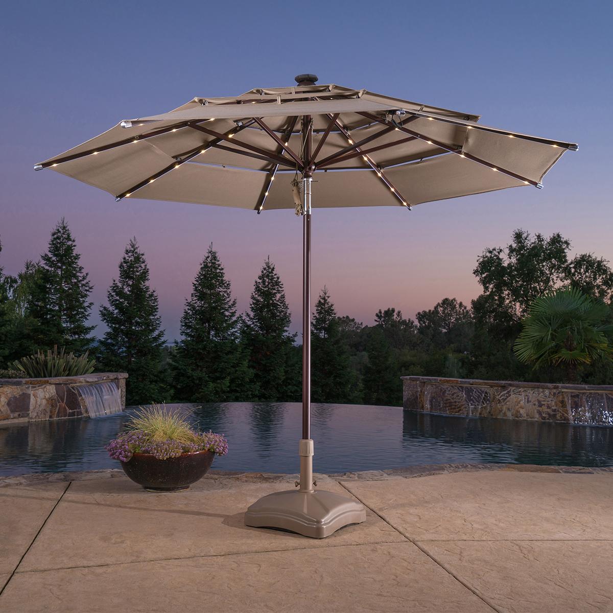 11 呎戶外 LED 遮陽傘