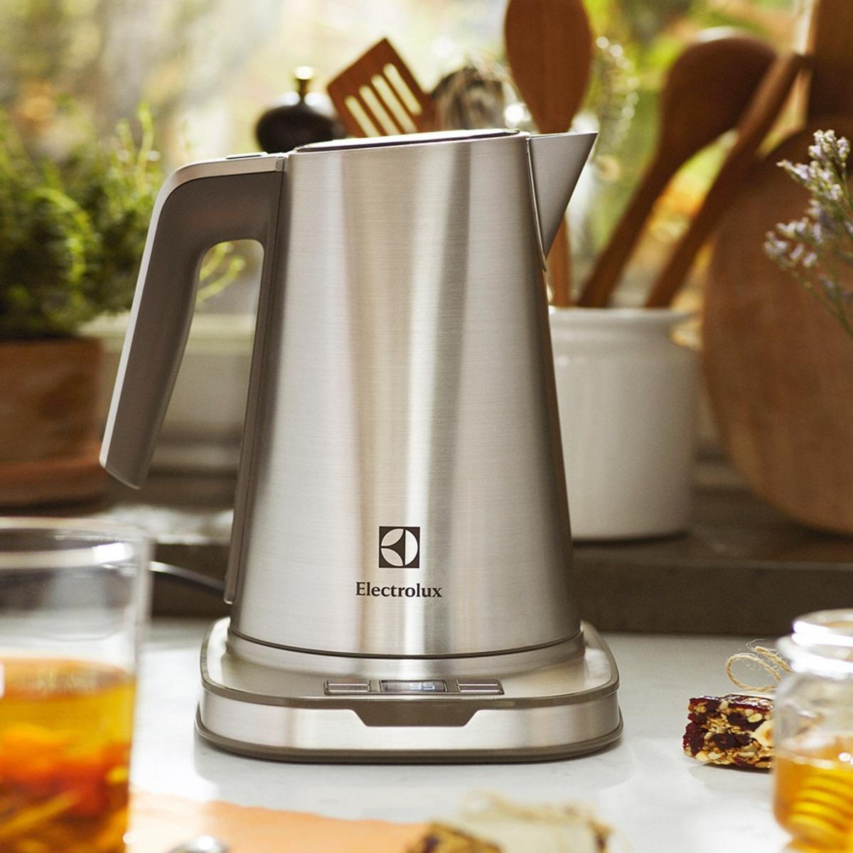 伊萊克斯設計家系列智慧溫控保溫電茶壺 (EEK7804S)